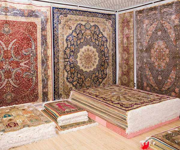 Chinese silk rug factory